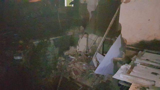 Manhuaçu: Desabamento de parte da casa deixa dois feridos