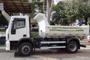 Prefeitura de Manhuaçu adquire quarto caminhão para o SAMAL