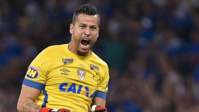 Copa do Brasil: Fábio defende 3 pênaltis e Cruzeiro vai a semifinal