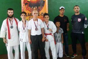 Atletas de Manhuaçu participam da XXIV Copa Sete Lagoas de Karatê