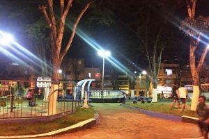 Prefeitura instala nova iluminação na Praça Martins Fraga