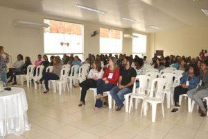 Seminário orienta educadores e famílias sobre com lidar com o desafio das drogas