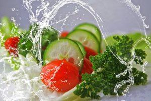 UFMG cria espuma que retira agrotóxico de alimentos