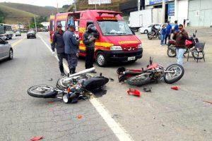 Manhuaçu: PRF registra colisão de motos na Ponte da Aldeia. Três feridos