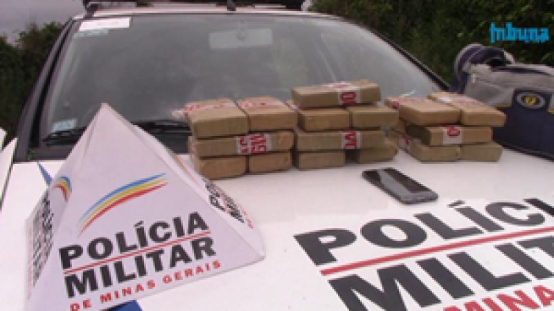 PM apreende drogas e menor em Manhuaçu