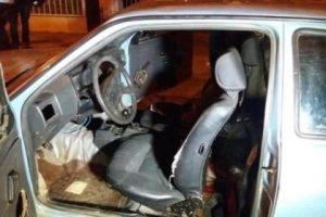 Homem é morto a golpes de faca dentro de carro em Caratinga
