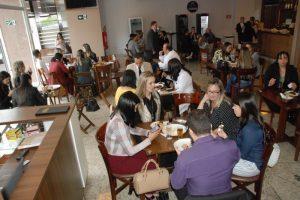 Café do Advogado: evento reúne dezenas de advogados e advogadas