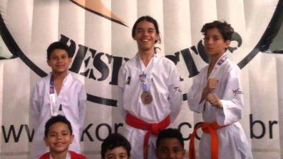 Atletas manhuaçuenses se destacam em Campeonato de Taekwondo