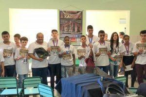 Aluno do Colégio Tiradentes fatura medalha no Circuito de Xadrez