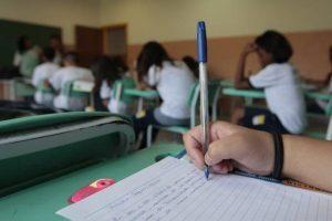 Cadastro escolar está sendo realizado em Manhuaçu