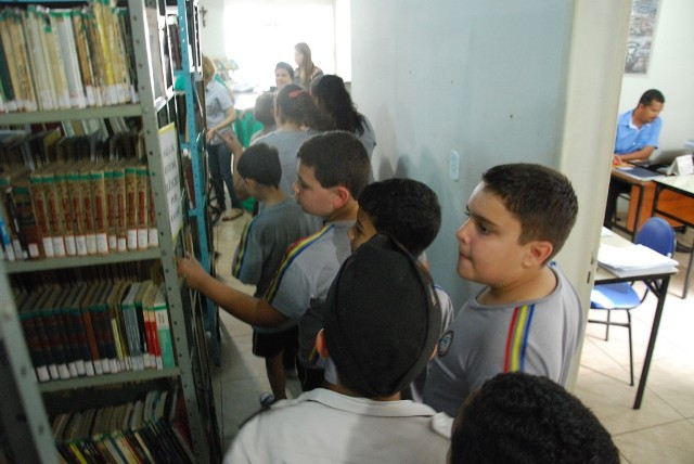 tiradentes-biblioteca2