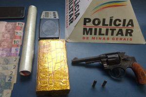 Arma de fogo e barra de maconha apreendidos em Manhuaçu