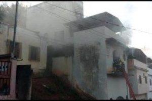 Caratinga: Incêndio destrói parte de residência