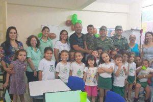 Parabéns: PMs do Meio Ambiente participal da festa de 6 anos de estudante