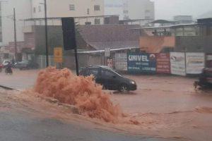 Chuva causa prejuízos em Manhuaçu e região. Veja fotos e vídeos