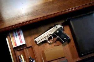Bolsonaro diz que usará decreto para conceder posse de arma