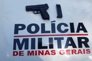PM apreende simulacro de arma em Manhuaçu