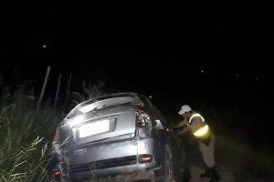 Veículo cai em ribanceira em Santa Margarida