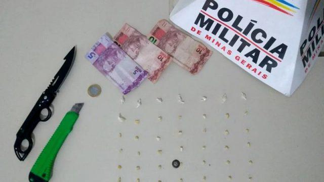 Manhumirim: PM apreende drogas após denúncia no Bairro da Penha