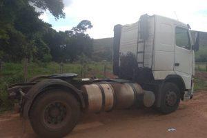 Polícia Civil localiza veículo roubado. Carga de óleo de soja foi levada