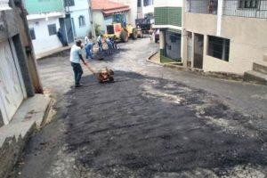Operação tapa-buracos no bairro Petrina