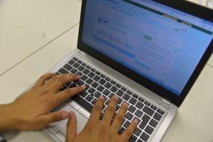 Autônomos e trabalhadores rurais devem se cadastrar no site da Receita