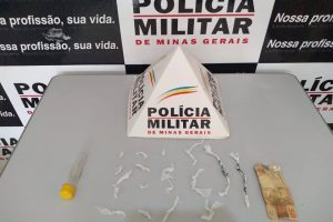 Pedras de crack são apreendidas em Ipanema