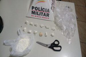 PM prende suspeito de roubo e apreende cocaína no São Vicente