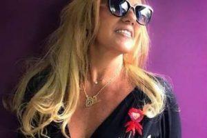 Rita Cadillac… Madrinha de Bateria em SP; Sonia Lima é consolada no velório; Preta Gil explica ausência após internação
