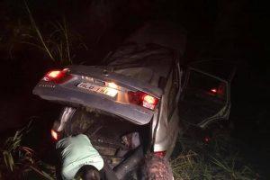 Menor morre em acidente de carro com 11 pessoas dentro. Motorista havia ingerido álcool