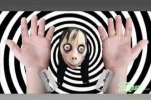 """Alertas aos pais: Boneca """"momo"""" invade vídeos infantis no youtube e ensina crianças a cometerem suicídio"""