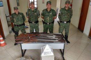 18 armas e redes de pesca apreendidas pela PM em Alto Caparaó