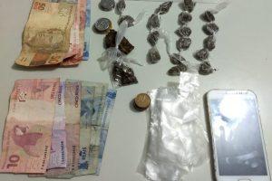 Manhuaçu: 19 buchas de maconha, celular e dinheiro apreendidos pela PM