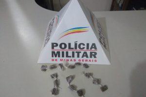 Lajinha: PM apreende uma menor por tráfico de drogas