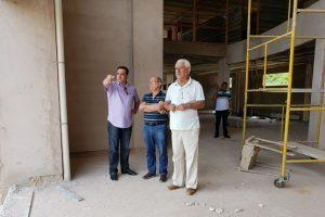 Deputado João Magalhães acompanha obras do novo prédio do HCL
