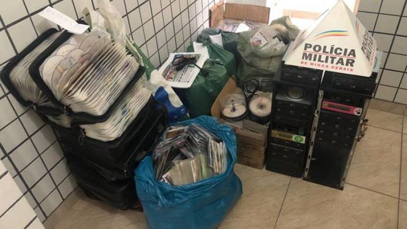 Manhuaçu/Alferes: PM prende autor e apreende grande quantidade de material de contrabando