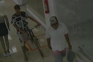 PM busca identificar autores de roubo à relojoaria e conta com denúncias da comunidade