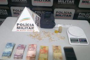 Manhumirim: PM apreende drogas no bairro Izidoro