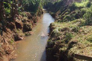 Samal inicia limpeza de rio em Ponte do Silva