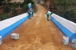 Prefeitura constrói ponte e realiza ações em combate a dengue na Vila Boa Esperança