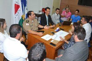 Autoridades discutem melhorias no acesso ao centro de Manhuaçu via BR-262