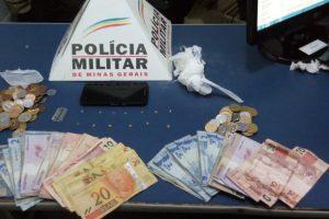 Manhuaçu: PM prende autores de tráfico de drogas no Engenho da Serra