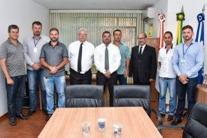 Câmara de Manhuaçu recebe visita do Deputado Federal Sub-Tenente Gonzaga