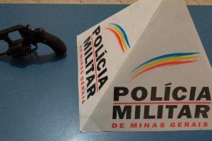 São João do Manhuaçu: Polícia Militar apreende arma de fogo