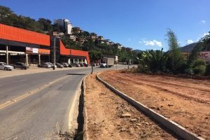 Mais calçadas: Avenida Tancredo Neves mais segura para pedestres
