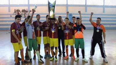 """Manhuaçu: Finais do torneio """"Craques do Futuro"""" levam emoção ao Poliesportivo"""