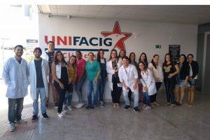 Manhuaçu: Equipe da ESF do Bairro Santa Luzia leva futuras mamães na maternidade