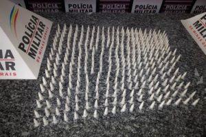 Mutum: PM apreende 337 pinos de cocaína
