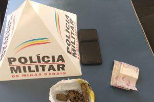 Manhuaçu: PM prende autor de tráfico de drogas no bairro Bom Jardim