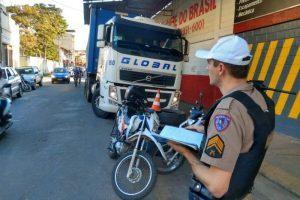 Manhuaçu: PM intensifica fiscalização de trânsito na área central da cidade